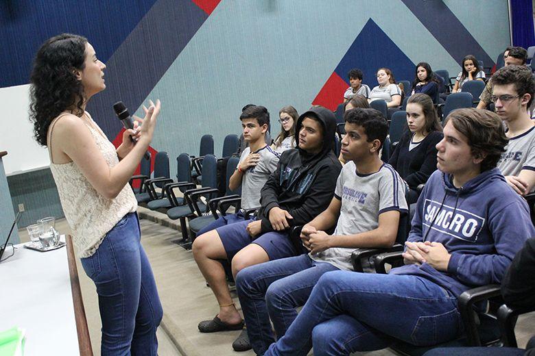 Setembro Amarelo: Ensino Médio participa de palestra sobre