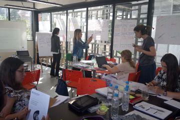 Professoras participam de capacitação de Cambridge Assessment International Education