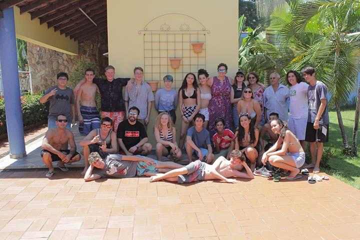 Delegação de intercâmbio do Colorado participa de confraternização com alunos do colégio