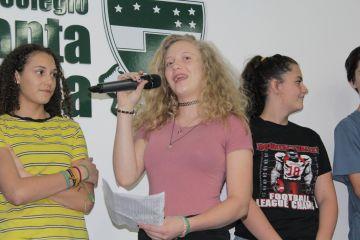 O grupo de estudantes americanos fez uma apresentação aos alunos do Santa Úrsula