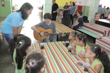 Grupo de Crestone promove ação social no CEI Maria de Nazaré