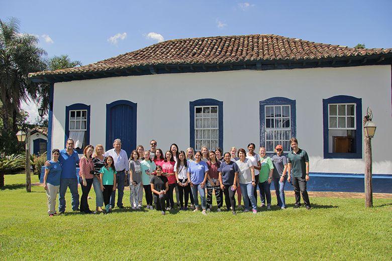 Americanas visitam fazenda São José, produtora de café, localizada em Nuporanga