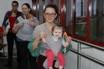 Famílias do Colégio Santa Úrsula participam de aula de Sling Dance com os filhos