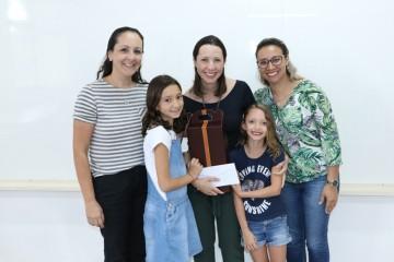 A hematologista Maria do Carmo Favarin de Macedo conversou com os alunos do 5º ano D sobre a prevenção do câncer