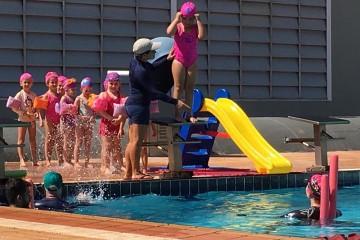 Alunos do Infantil II aos 5º anos e turmas do Integral participam de Festival de Natação no colégio