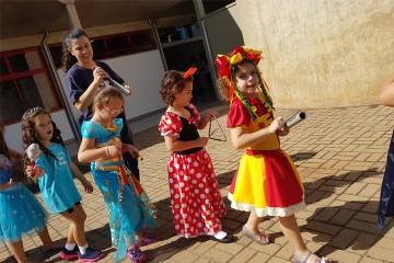 Infantil III participa de aula de música especial sobre o Carnaval