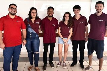 Alunos da UFSCar visitam Colégio Santa Úrsula e apresentam o PET Estatística