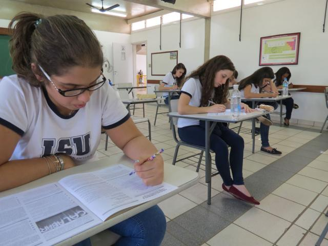Ensino Médio realiza simulado do ENEM