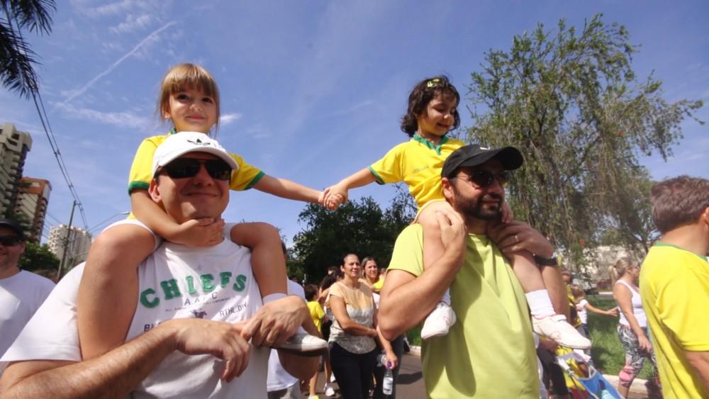 Cobertura Completa: Parada pela Paz reúne 2 mil pessoas na Fiusa