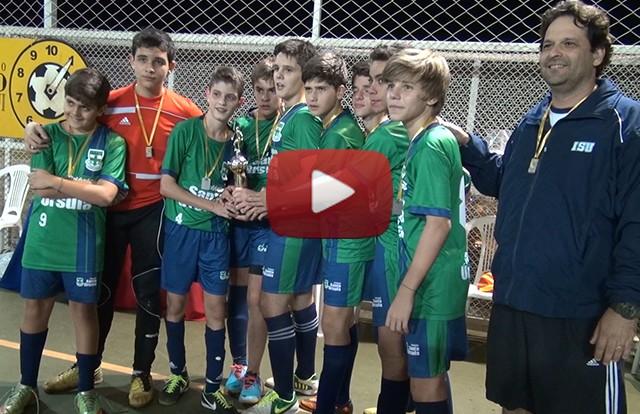 É campeão: ISU conquista o campeonato interescolas no futsal