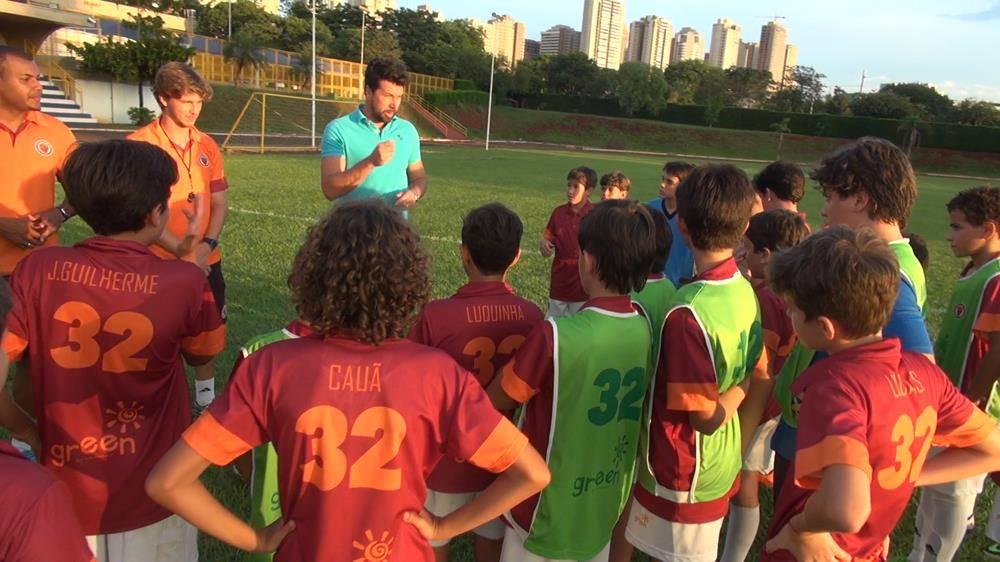 Santa Úrsula inaugura parceria com escola de futebol Donisoccer