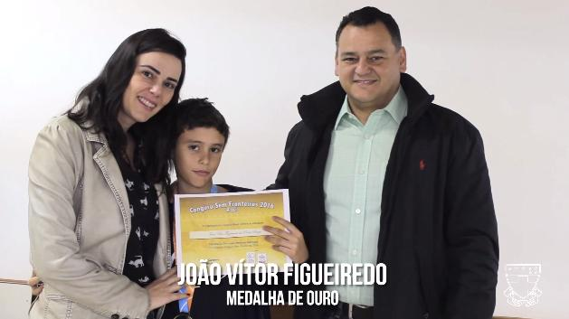 Alunos recebem medalhas da Olimpíada Canguru de Matemática 2016