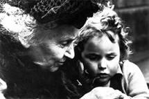 Hoje é o aniversário de Maria Montessori, criadora do método usado no Colégio Santa Úrsula