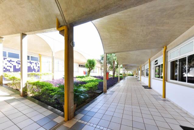 Corredor (Corridor) - Colégio Santa Úrsula Ribeirão Preto