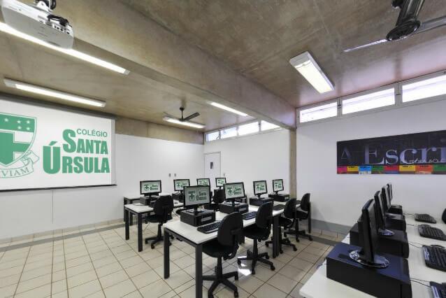 Lab. de Informática (Computer Lab) - Colégio Santa Úrsula Ribeirão Preto